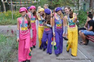 Артистки народной студии современного танца «Родничок» (Макеевка) шагают навстречу к финалу проекта «КОНТИНЕНТ талантов».